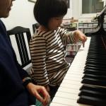 3歳児のピアノレッスン風景♪