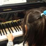 3歳児のピアノレッスン♪